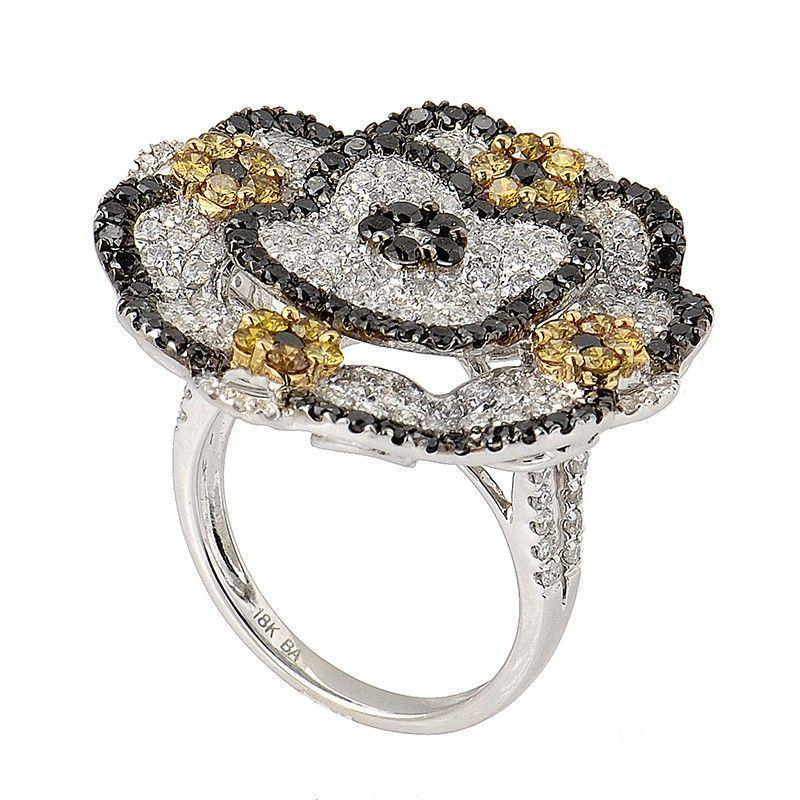 18K White Gold Multi Diamond Flower Ring