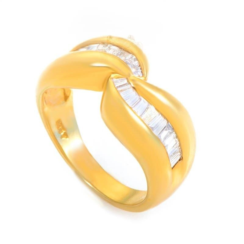 Wavy 14K Yellow Gold Diamond Band