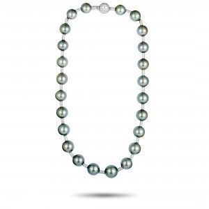Chanel 18K White Gold Diamond and Tahitian Black Pearls Necklace