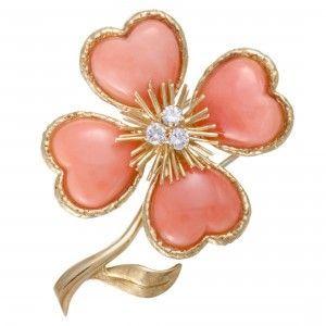 Van Cleef & Arpels Vintage Rose de Noël 18K Yellow Gold Diamond and Coral Brooch